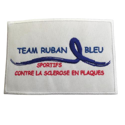 Broderie team ruban bleu